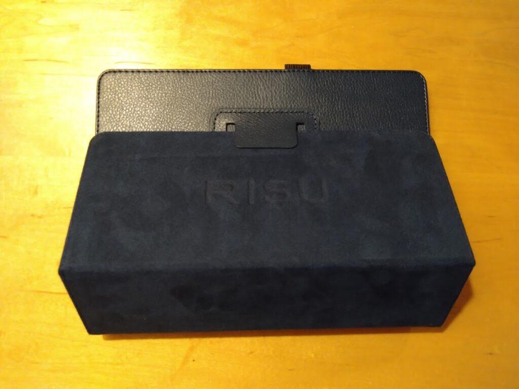 risu算数のタブレットカバー組み立て